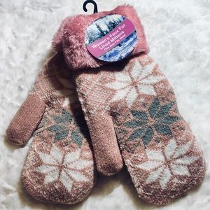 ✅25%off any 3 or more items Pink snowflake mittens